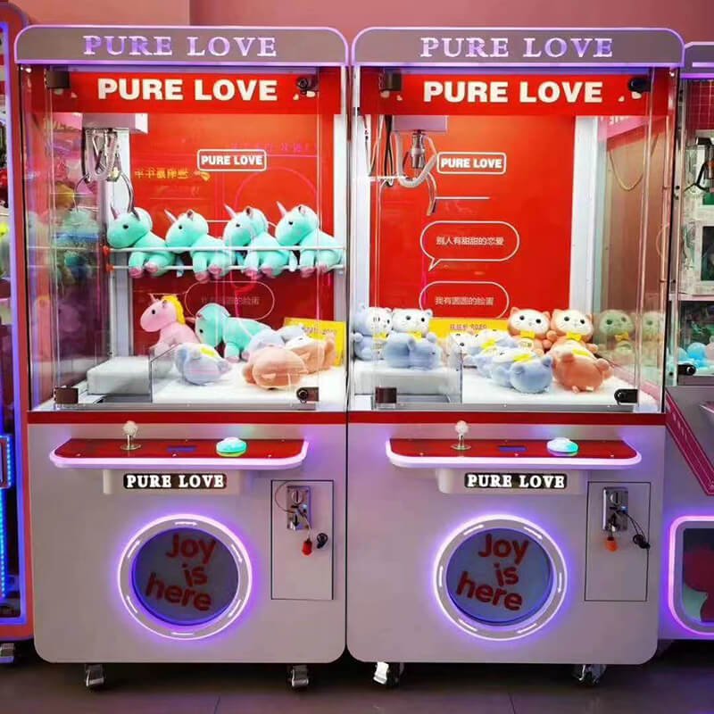 coin-operated-claw-crane-toy-machine-1